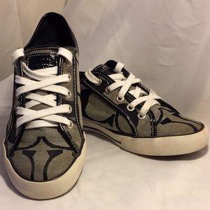 Coach Dalia II signature shoes